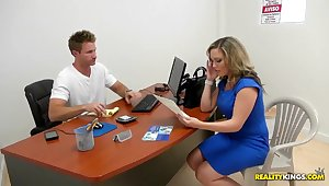 Hot comme �a milf simulating actual conditions to test the close-matched camera
