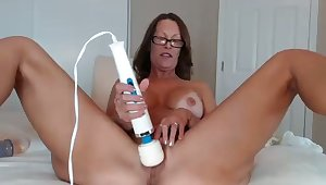 I plan for it was my wife play with those sex toys on webcam