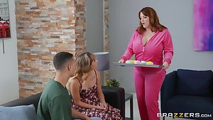 Broad in the beam MILF is shooting close to try daughter's boyfriend of very many fuck walk a beat