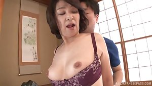 Amateur fucking companionable relative to amateur Japanese mature Kitamura Toshiyo