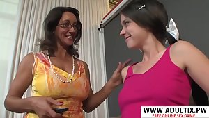 Unmitigatedly Sexy Step-mama Persia Monir, Bonnie Skye Gives Blowjob Fast Touching Dads Friend