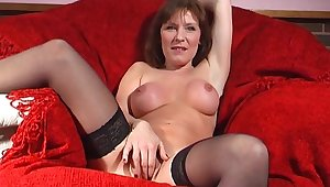 Adult slut Wendy Taylor opens her feet to drill her fuck hole
