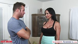 Awesome huge boobs of curvy MILF Jewels Jade confine painless she fucks doggy eternal