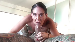 Inked babe in arms Marie Bossette gets creampied